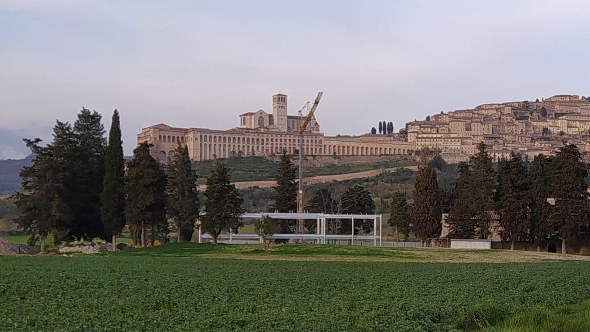 Ho comprato un loft all'ultimo piano del grattacielo che sorgerà ai piedi di Assisi